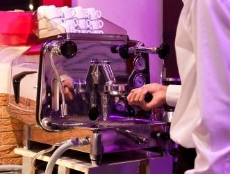 Настоящий эспрессо могут приготовить только рожковая кофемашина и руки человека